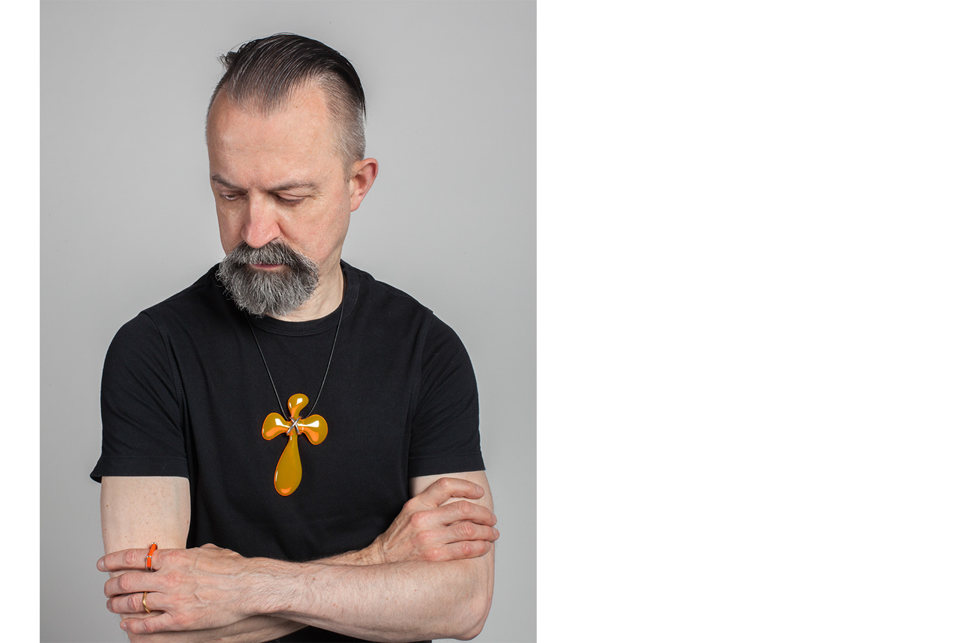 website gt - Paul with yello cross